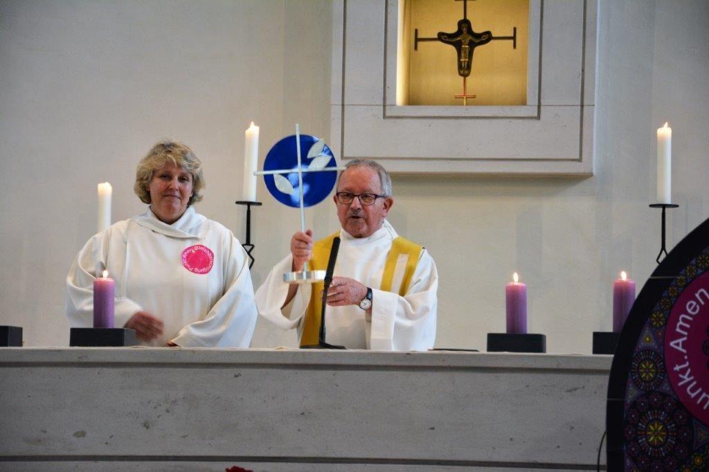 Olten: Pastoralraumleiterin Antonia Hasler und Pater Guardian Josef Bründler in der Kirche St. Marien. | © Caroline Hayoz Graf