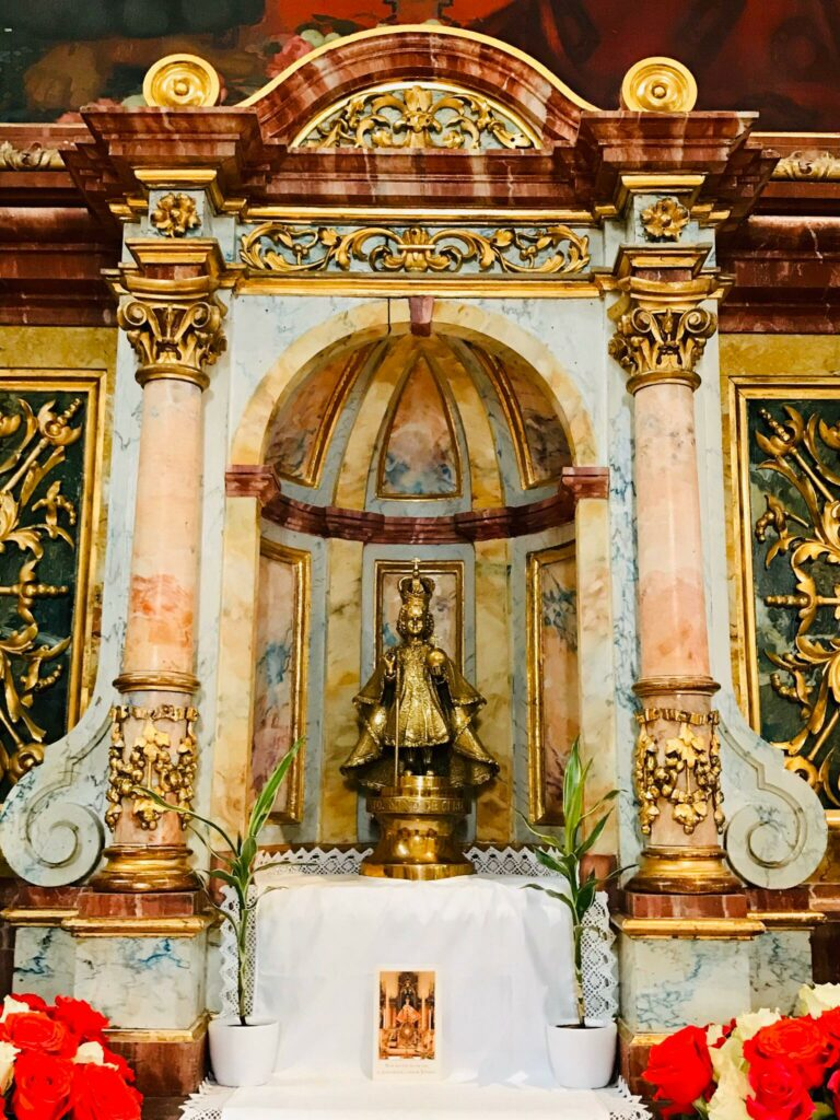 Die Statue des Santo Niño del Cebú in der Kirche St. Joseph in Basel. | © Estíbaliz Díaz de Rada