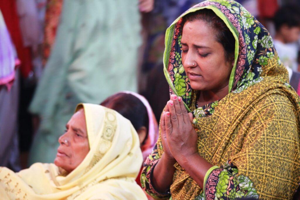 Pakistanische Christinnen beim Gebet. | © «Kirche in Not (ACN)»/Magdalena Wolnik