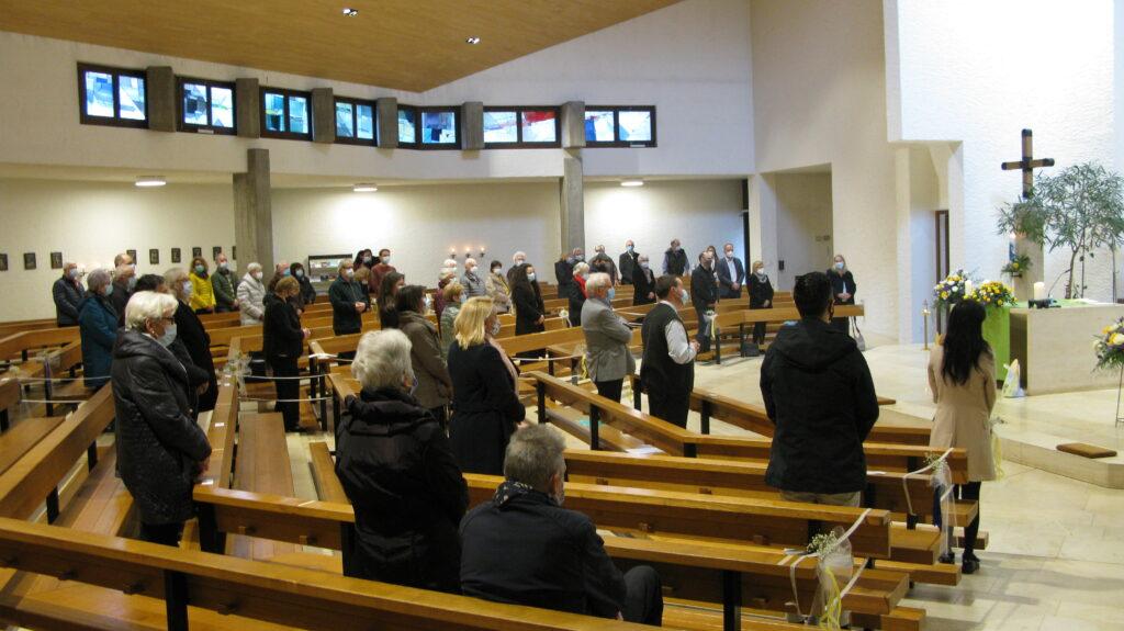 50 Personen, je zehn aus jeder der fünf Pfarreien, hatten sich für die Errichtungsfeier anmelden können. | © Christian von Arx
