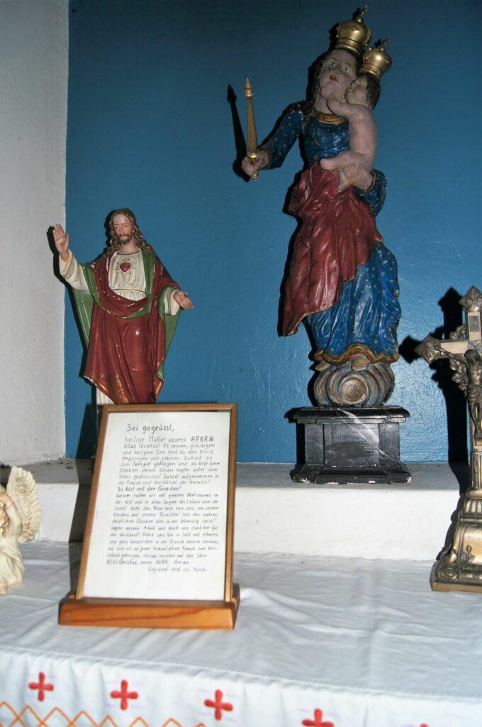 Gestaltung des Altars in der Kapelle Albach. | © Fabienne Netzhammer