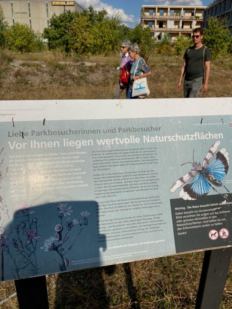 Ein grosser Teil der Grünanlagen im Basler Quartier Erlenmatt sind Naturschutzzonen, wo seltene Tiere und Pflanzen leben.    © Regula Vogt-Kohler